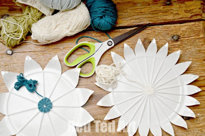 Paper Plate Weaving Craft