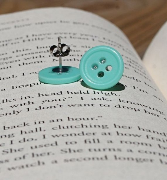 button crafts earrings