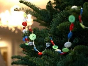 button crafts - garland