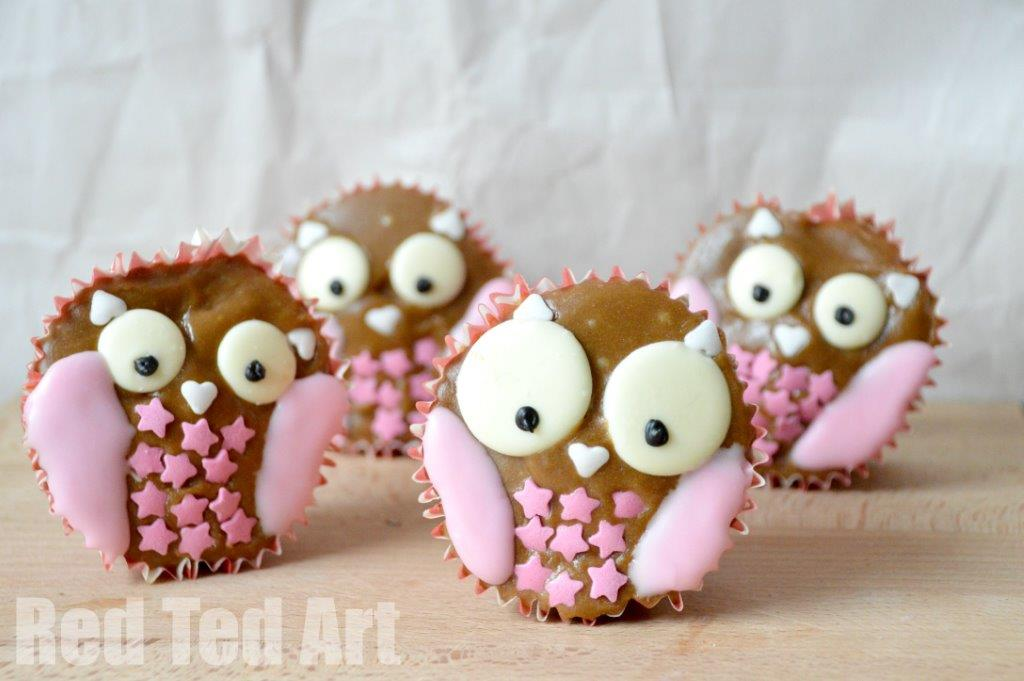 Owl Cupcakes - friendly halloween treats