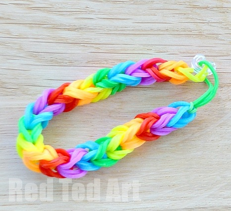 How to make a triple rainbow loom bracelet with your fingers