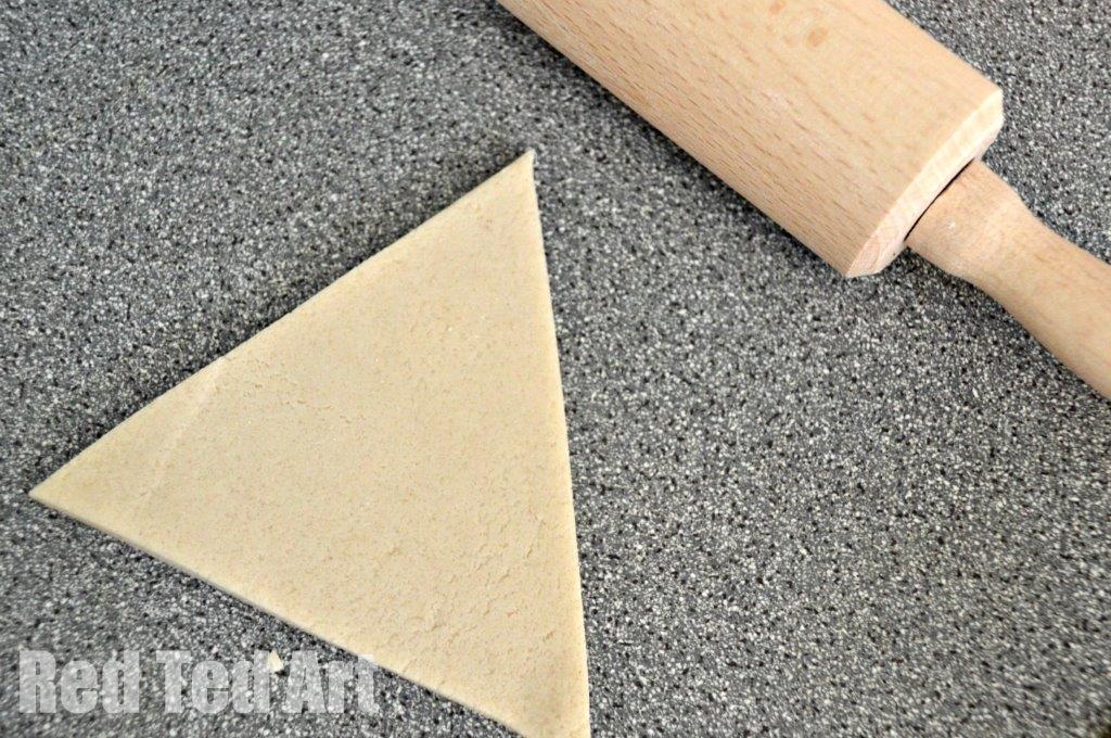 Easy Salt Dough Recipes for kids - make toy bread
