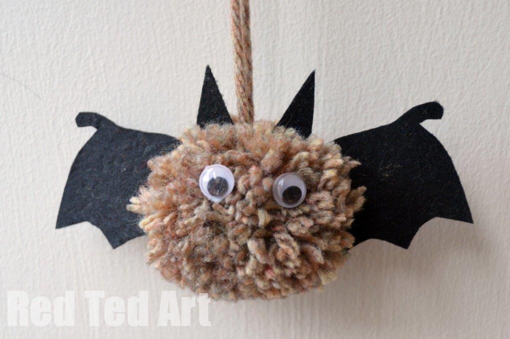Pom Pom Bats - total cuteness! #Pompoms #pompom #pompombat #bat #cutebat #halloween