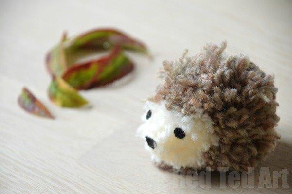 Cute Hedgehog Crafts - Pom Pom Hedgehog