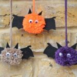 Bat Crafts – Pom Pom Bats
