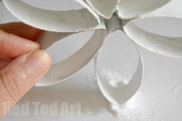 How to Make a TP Roll Snowflake