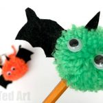 pom-pom-bat-pencil-topper
