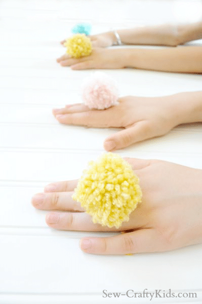 best-easy-quick-kids-craft-ideas-pom-pom-yarn-rings-sew-craftykids.com_