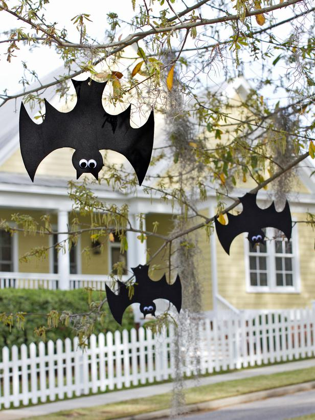 hanging bats halloween decoration