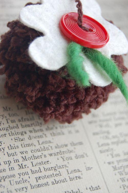 pom pom Christmas Pudding
