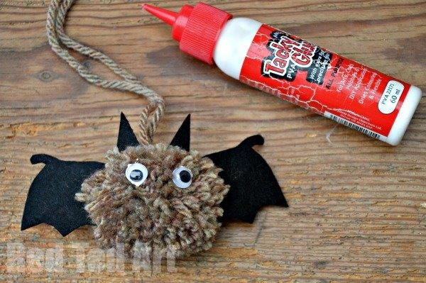 pom pom bats - easy to make