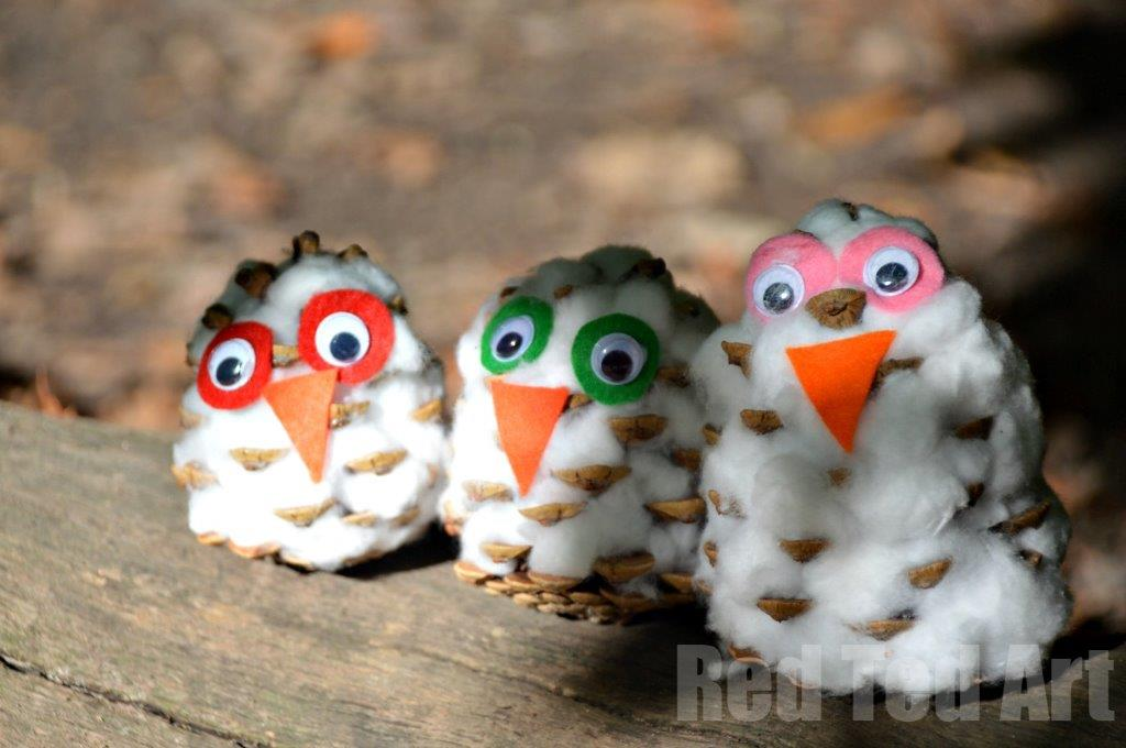 Pine Cone Crafts – Snowy Owls