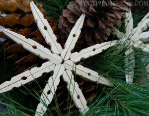 clothes-peg-snowflakes-670x523