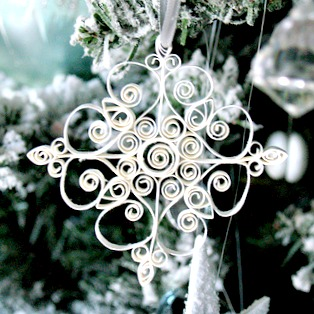 snowflake crafts - quilled