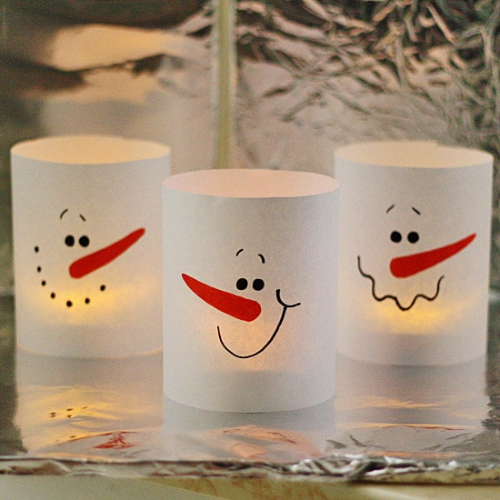 3-minute-paper-snowman-luminaries-550