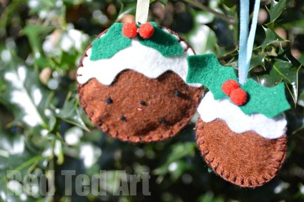 Christmas Pudding Felt Ornament Craft