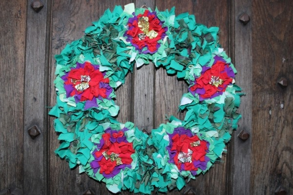 Shaggy Rag Rug Wreath - Recycled Christmas