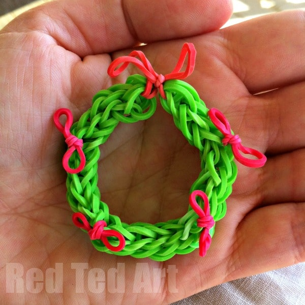 Christmas Wreath Ornament Rainbow Loom