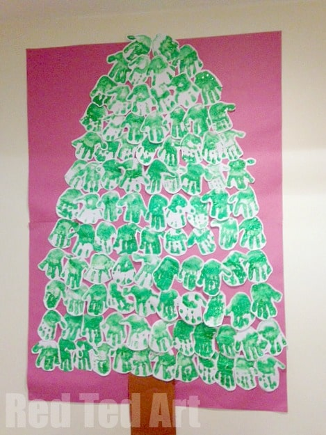 Handprint Christmas Tree - this is such an adorable project for the classroom or for a nursery. How wonderful!!