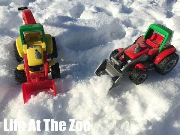 Ice-Play-for-Kids-activities-to-do-in-the-snow
