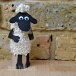 Easy Shaun the Sheep TP Roll Craft