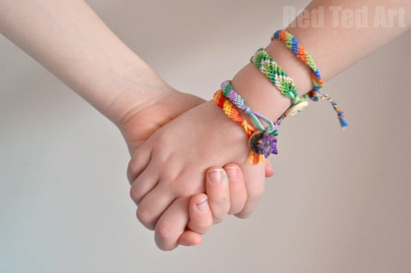 How to Make Friendship Bracelets (Beginners)