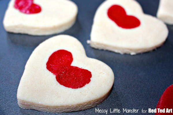 Valentine's Day Gifts - Thumbprint Heart Keepsakes - fun with salt dough