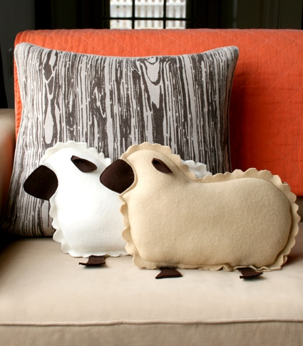 little-lamb-pillows-2-4251