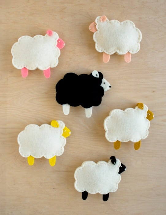 sheep-finger-puppets-600-13 & 30 Cute Lamb u0026 Sheep Crafts - Red Ted Artu0027s Blog