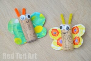 Kids Art Butterfly Cork Crafts. Butterfly Crafts for Preschoolers - great summer crafts for kindergarten and up.. love these adorable Butterfly Activities #butterflies #summer #preschoolers