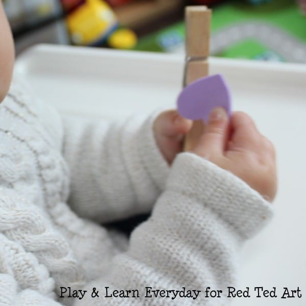 play learn everyday - valentines day washing line - baby