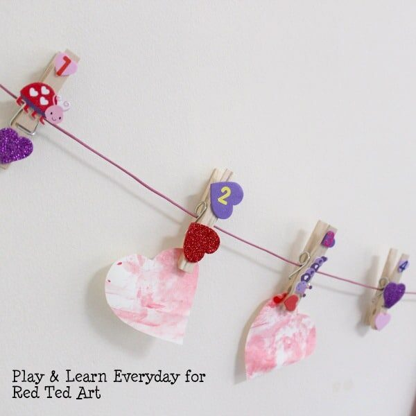 play learn everyday - valentines day washing line - close up