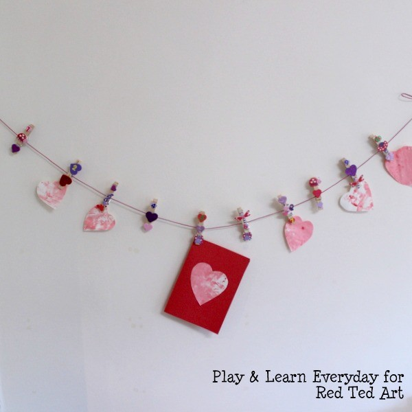 play learn everyday - valentines day washing line - hanging line