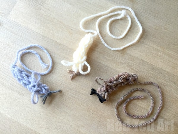Finger Knitted Crafts - Mouse Cat Toy