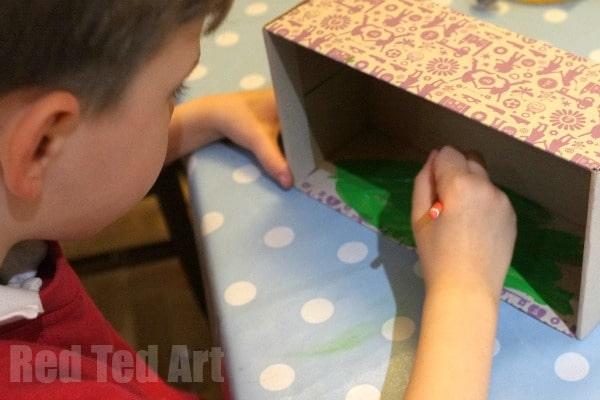 Mr Men Egg Diorama - decorating the box