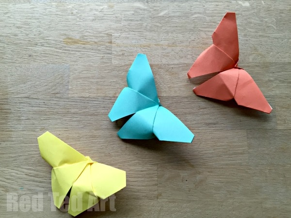 Origami Butterflies how to - easy paper butterflies for children to learn and get into paper crafts