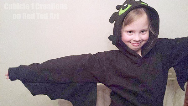 Toothless DIY Costume - wings