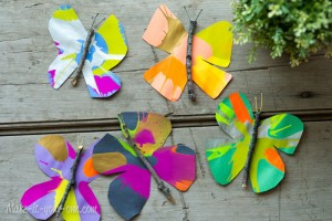 Butterflies Spin art. Butterfly Crafts for Preschoolers - great summer crafts for kindergarten and up.. love these adorable Butterfly Activities #butterflies #summer #preschoolers