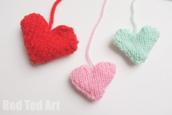 Knitting for Beginners - Simple Heart Project (free pattern)