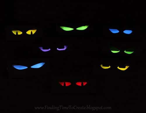 TP Roll Glowing Eyes (1)