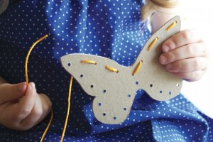 butterfly lacing cards. Butterfly Crafts for Preschoolers - great summer crafts for kindergarten and up.. love these adorable Butterfly Activities #butterflies #summer #preschoolers