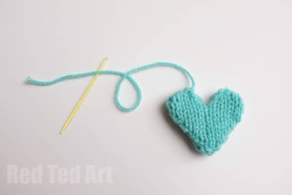 knitted heart pattern - great for little gifts
