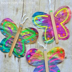 Newspaper Butterfly Craft. Butterfly Crafts for Preschoolers - great summer crafts for kindergarten and up.. love these adorable Butterfly Activities #butterflies #summer #preschoolers
