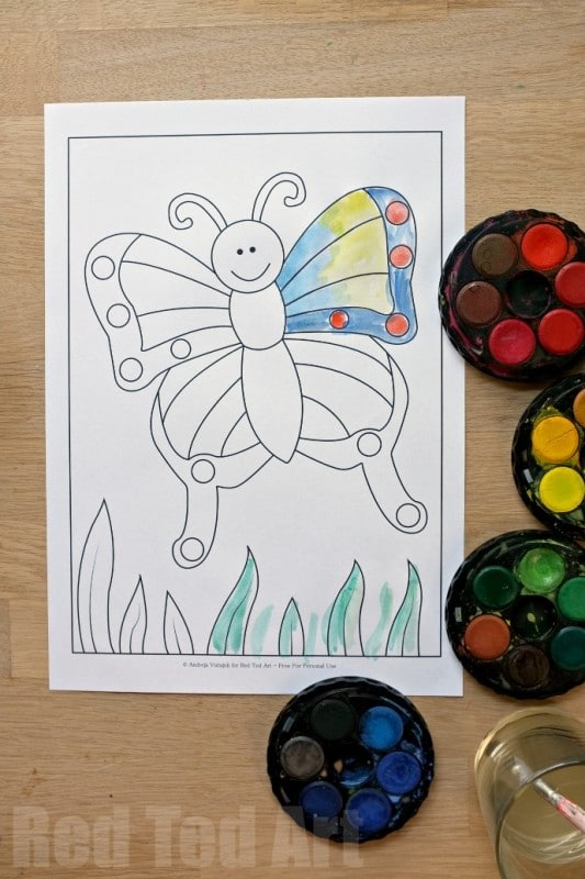 Cute Butterfly Colouring Pages for Spring and Summer (free printable) - try using watercolors for something a little different