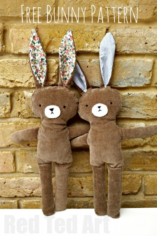 Try this super cute Bunny Pattern - FREE and easy bunny pattern to make. So cute! #bunnypattern #bunny #patterns #ragdoll #easter #gifts
