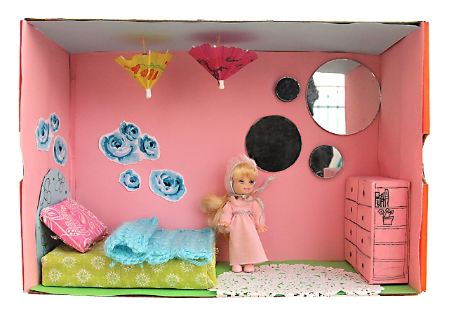 shoe box dolls house