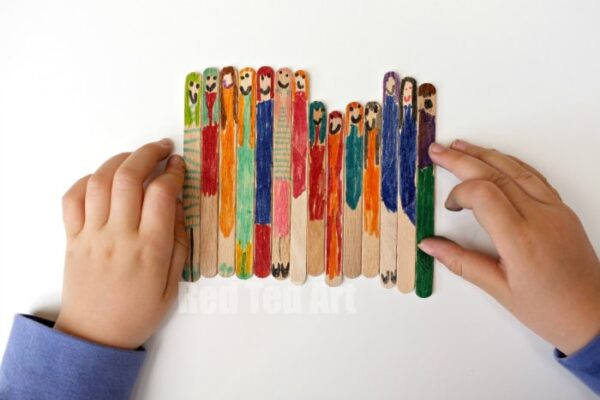Craft Stick Dollies - a simple how to by a lovely 5year old. Love the narration about how size doesn't matter