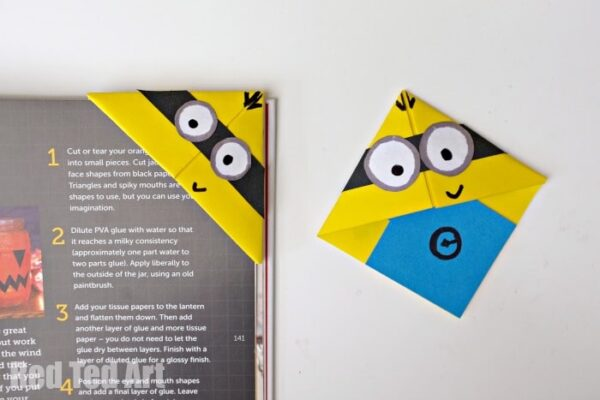 Minion crafts corner bookmarks red ted art 39 s blog How to make a simple bookmark