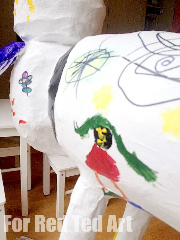How to make Papier Mache Sculptures - shaun the sheep - papier maching -  painting and decorating - the queen