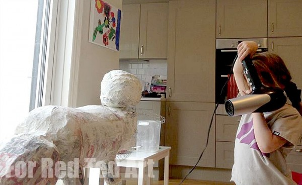How to make Papier Mache Sculptures - shaun the sheep - papier maching - speedying up the drying